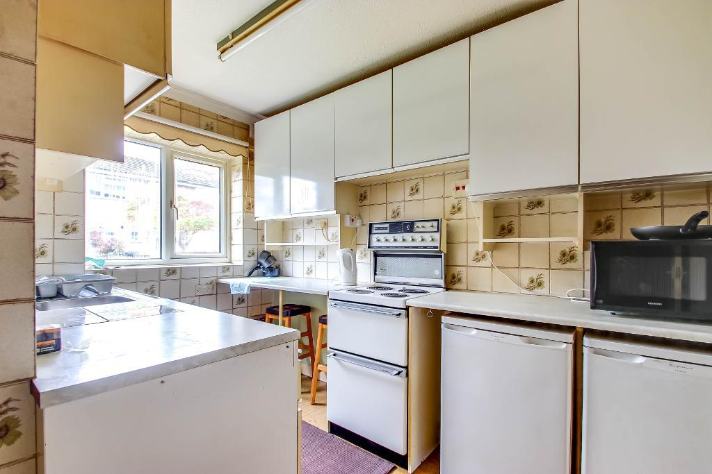 3 Bedroom End Terraced for Sale in South Croydon, CR2 9BR