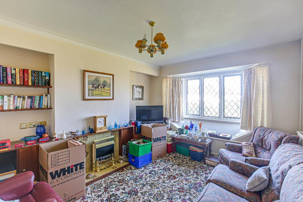 3 Bedroom Semi-Detached for Sale in South Croydon, CR2 9ND