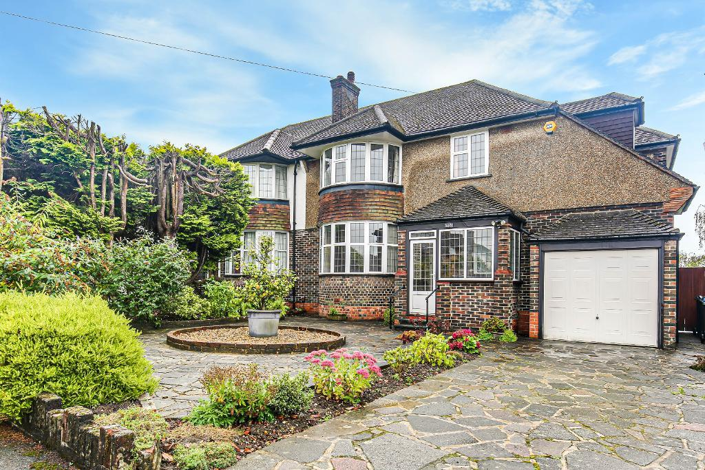 4 Bed Semi-Detached Property for Sale in South Croydon, CR2 8BY